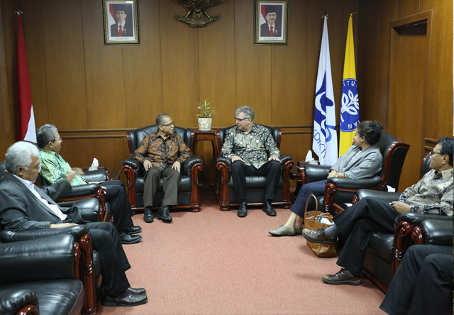 CIFOR and IPB renew their commitment to Indonesian forests, science and development